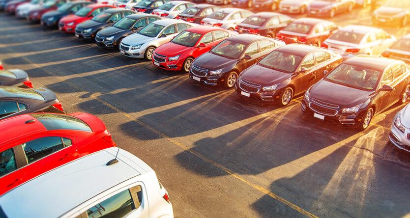 Anche l'auto non circolante deve essere assicurata